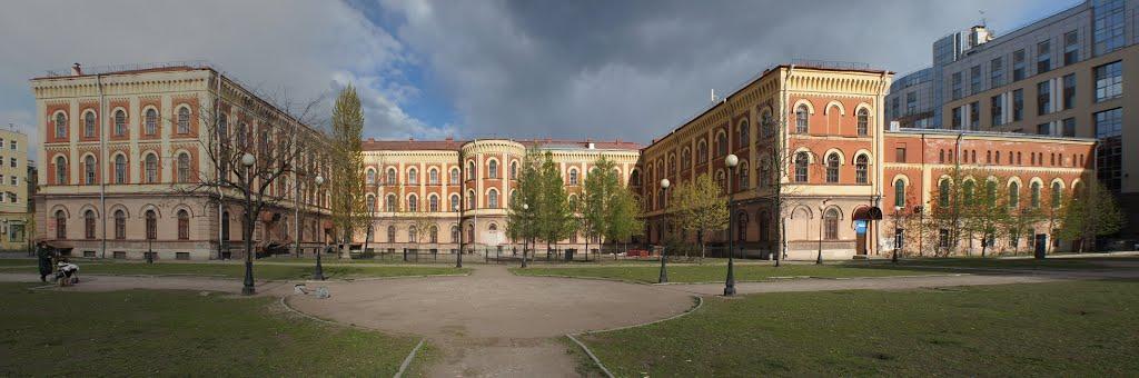 Павловский институт благородных девиц. Улица Восстания, дом 8