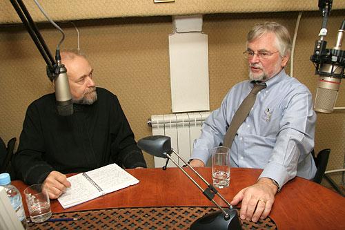 Шмеман Сергей в студии радио Град Петров
