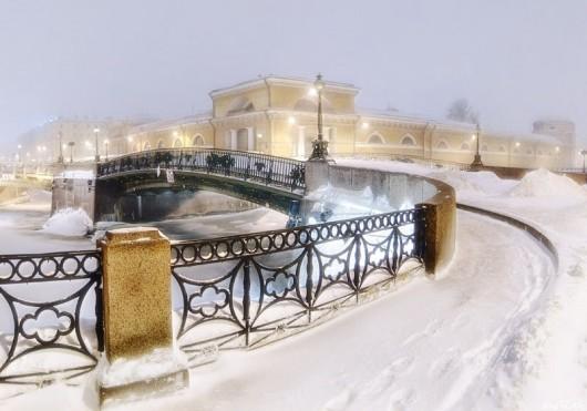 Мало-Конюшенный мост зимой