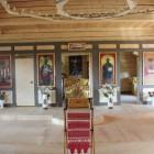 Линтула в пос. Огоньки внутри храма