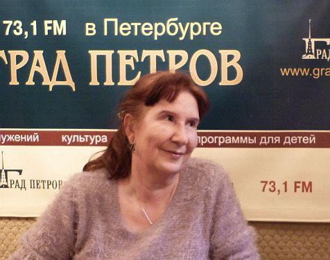 Ирина Богданова в студии радио Град Петров