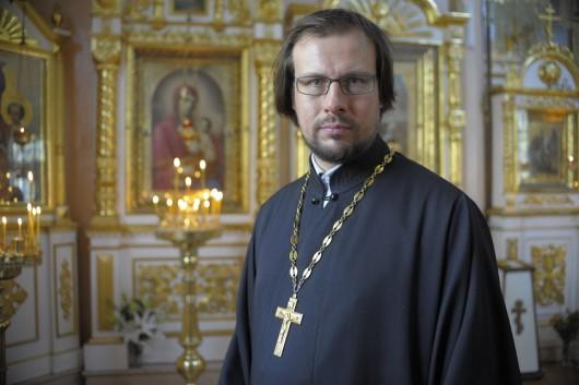 прот Александр Рябков фото в храме