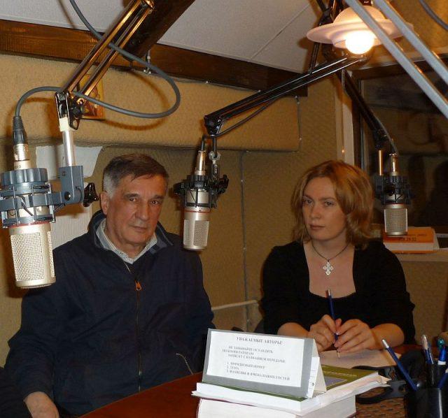 Правдюк В.С. и Лобанова М.Н. в студии радио Град Петров