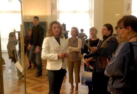 Последняя экскурсия по выставке. Фото - Наталья Сидорова, ГЭ