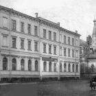 Детский приют и церковь царицы Александра. Фото М.В. Николаевского.