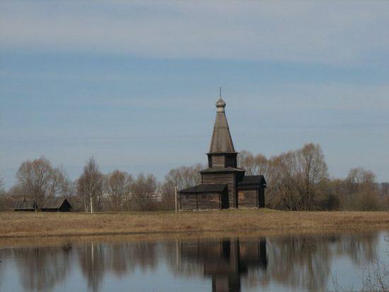 Шатровая Церковь Успения из села Курицко (музей Витославлицы) 1595 год
