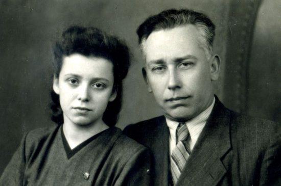 Людмила Михеева  в 17 лет - с отцом Викентием Павловичем Михееввым
