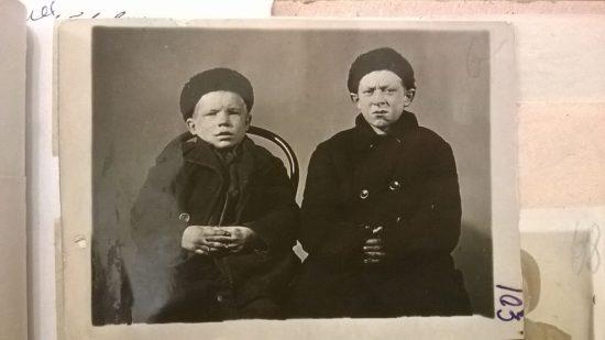 Смирнов 11 лет, Тихомиров 9 лет
