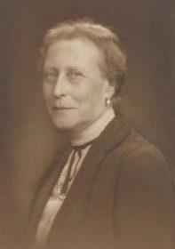 Виктория Гессен-Дармштадтская - старшая сестра императрицы Александры Федоровны, мать кронпринцессы, затем королевы Швеции Луизы Маунтбеттен